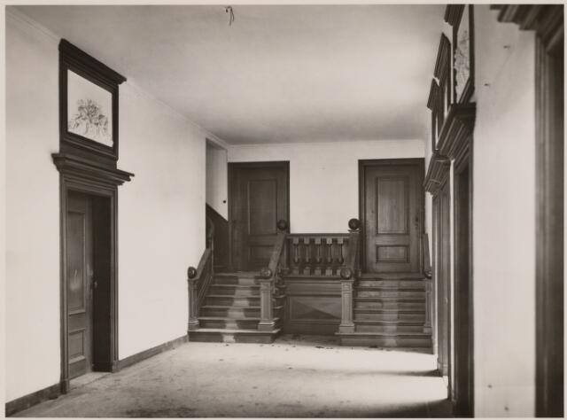 100831 - Huize Limburg. Gemeentehuis/raadhuis. Interieur.