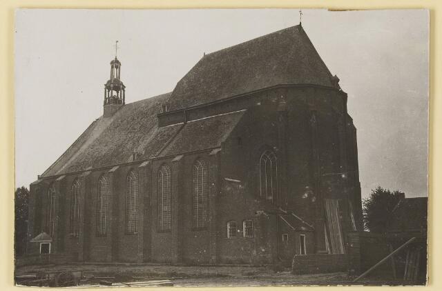 074080 - De voormalige Petruskerk voor de sloop.