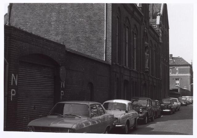 014327 - St.-Denis, de lagere school van de parochie Heike in de Antoniusstraat