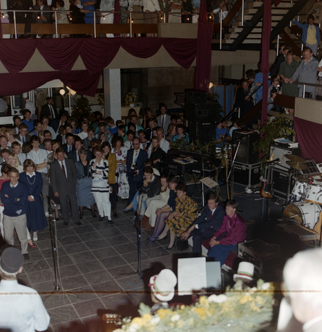 1237_011_820_009 - Ondernemers. KVK. Feest van de Kamer van Koophandel te Tilburg in september 1987.