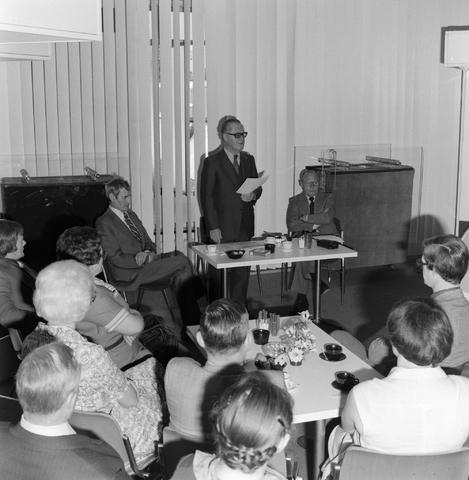 1237_012_989-1_002 - Viering van een jubileum van textiel firma Van Besouw b.v. bij restaurant Boschlust in Goirle in mei 1977.