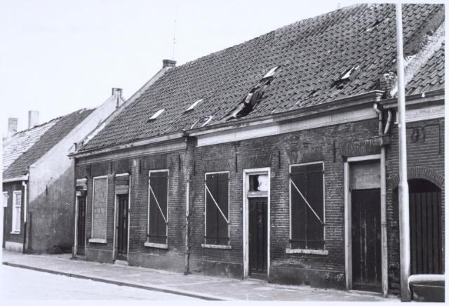 022519 - Slooppanden aan de Van Hogendorpstraat begin april 1968