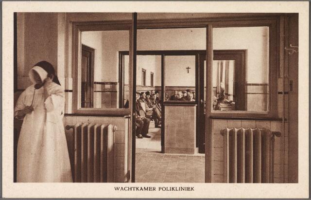 010897 - Elisabethziekenhuis. Gezondheidszorg. Ziekenhuizen. Wachtkamer polikliniek St. Elisabethziekenhuis aan de Jan van Beverwijckstraat. Der zuster draagt de koker-kap van de congregatie zuster van Liefde.