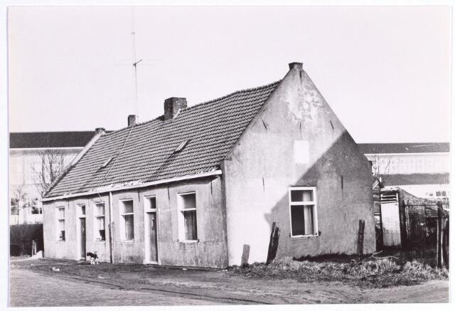 015722 - Panden Bokhamerstraat 2 en 4. Op de achtergrond het Paulus-lyceum