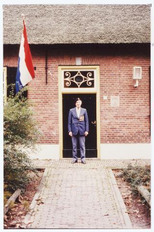 063566 - Op 21 oktober 1984 hielden de verzetstrijders een reunie in Bboerderij Denissen aan de Generaal Eisenhowerweg 1