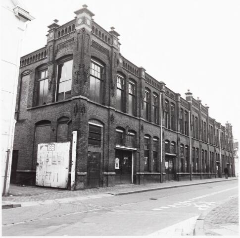 033610 - Textielindustrie. Fabrieksgebouw Van Jurgens Textiel aan de Tuinstraat 47a.