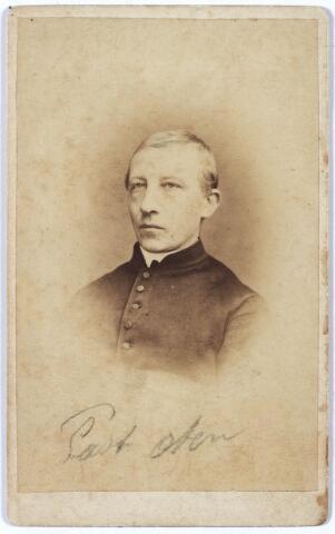 005349 - Vermoedelijk: W.Th.G. OTTEN, kapelaan op Korvel, later pastoor te Afferden. Vierde in 1888 zijn zilveren priesterfeest.