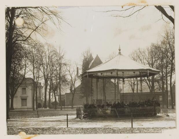 074360 - De Lind met oude kiosk.