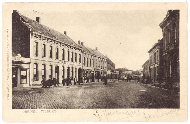 000771 - Heuvel zuid-oostzijde, links hotel Brox, voorheen 'de Gouden Appel'.