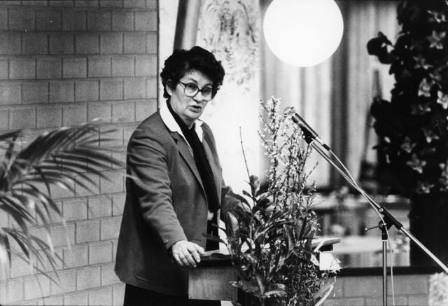 1238_F0127 - Staatssecretaris van Onderwijs. Nell Ginjaar-Maas (VVD).  23 februari 1984. Opening van de Westhoeve LTS .