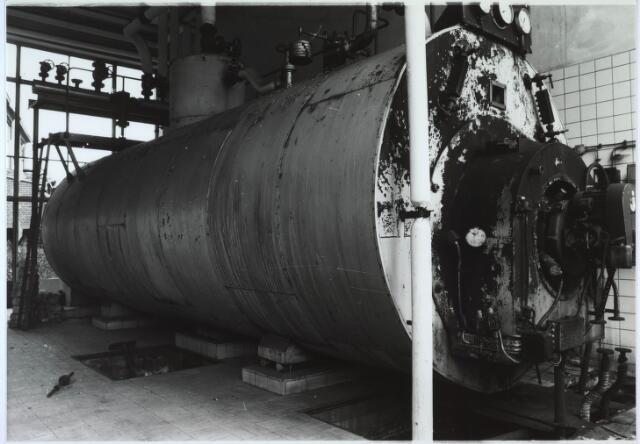 024426 - Textiel. Ketelhuis met stoomketel van Brouwers Lakenfabrieken aan de Korte Schijfstraat