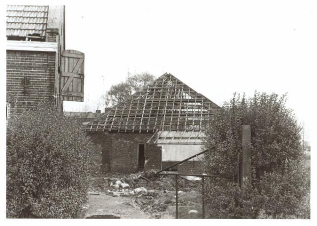 022042 - Vervallen boerderij aan de Hilvarenbeekseweg eind 1970