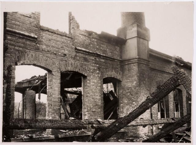 035507 - Brand van het confectiefabriek Gebr. Mutsaerts aan de Zuid Oosterstraat 71 op 3 juli 1931, veroorzaakt door het reinigen van en sigarenpijpje met benzine door een jeugdige knecht