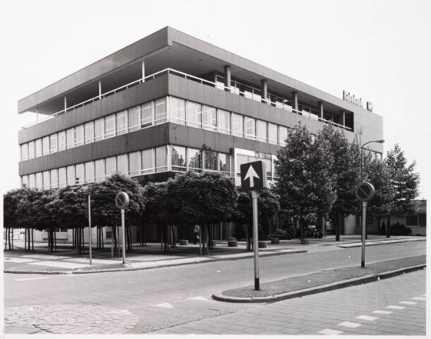 033410 - Rabobank aan de Tivolistraat 50, later de FAXX podium voor hedendaagse kunst.
