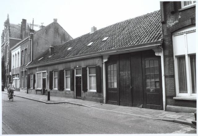 027278 - Noordstraat 117-115, koetshouderij annex winkel-woonhuis.