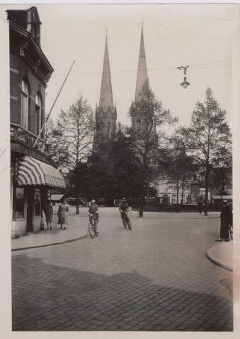 021439 - Heuvel omstreeks 1930, gezien vanuit de huidige Juliana van Stolbergstraat