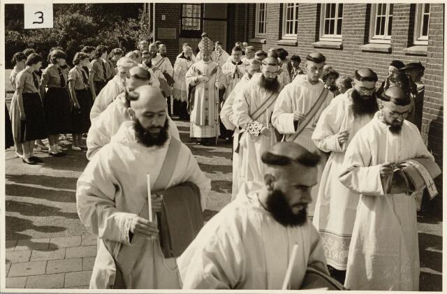 050194 - Priesterwijding. Udenhout.