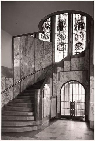 032142 - Interieur van het Paleis-Raadhuis aan het Stadhuisplein