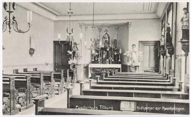 040040 - Onderwijs.  Interieur van de 'bidkamer' van de kwekelingen in het moederhuis van de zusters van liefde van O.L.V. Moeder van Barmhartigheid aan de Oude Dijk.