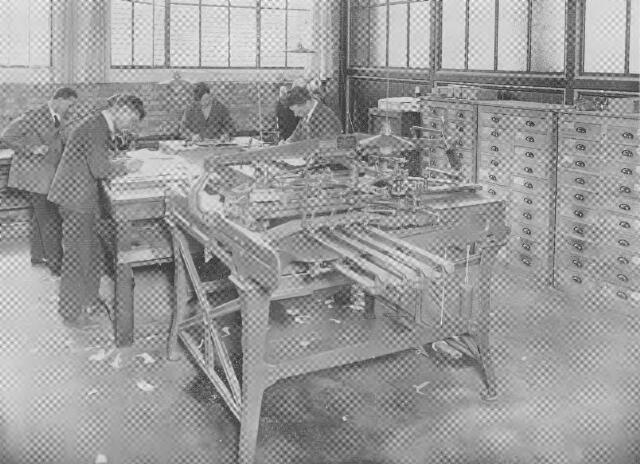 064380 - Leder- en schoenindustrie. N.V. Stoomschoenfabriek J.A. Ligtenberg. Modelleerafdeling.