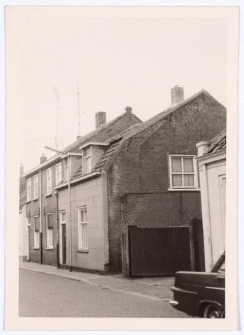 017202 - Panden Capucijnenstraat 231 en 231a (midden) anno 1963