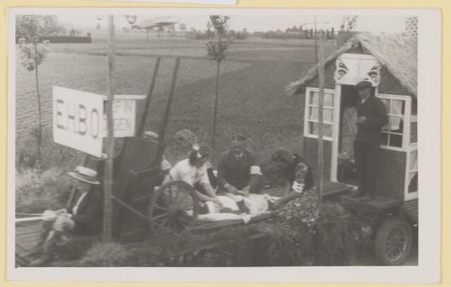 """080866 - WOII; WO2; Bevrijding Udenhout 1945. De optocht. E.H.B.O. in oorlogsjaren. """"E.H.B.O""""."""
