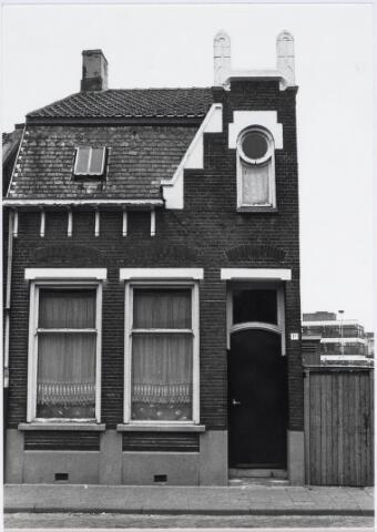 018104 - Pand Elzenstraat 1a halverwege 1980. Op 18 en 19 juni 1984 werd het gesloopt