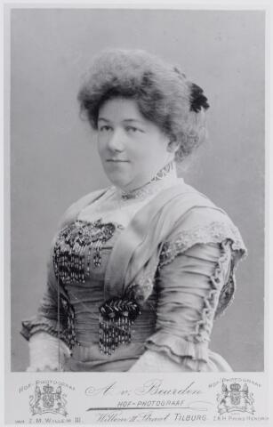 046068 - Marie Peijnenborg-van de Lisdonk (Goirle 1874-1947) (reproductie; origineel niet in collectie aanwezig)