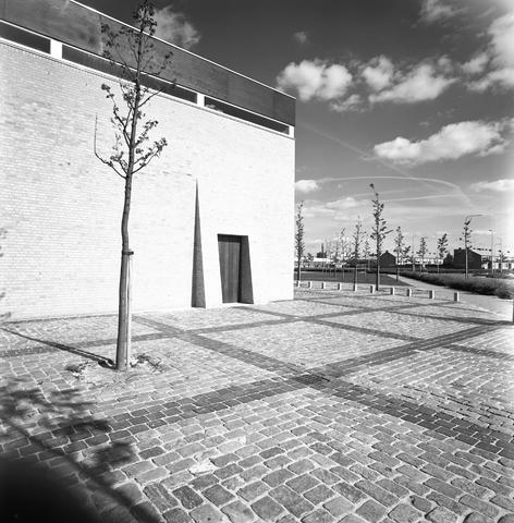 D-00803 - Lucaskerk aan de Lage Witsiebaan (architect Jules Nouwens)