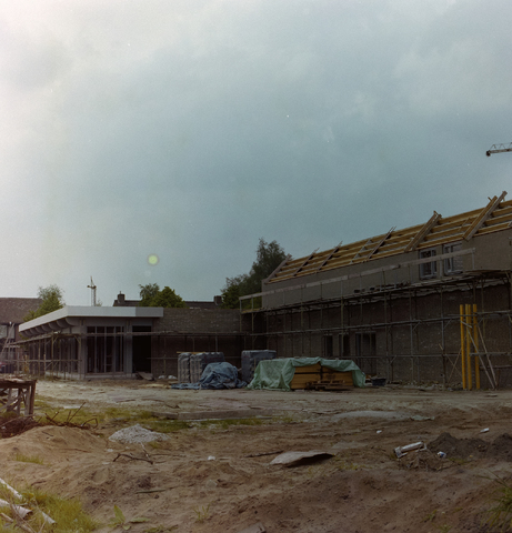 1237_010_673_010 - De bouw van de bestuur academie.