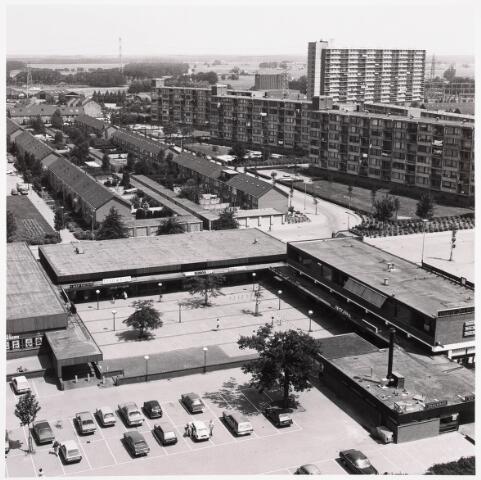 036273 - Panorama vanaf flat Componistenlaan met zicht op winkelcentrum
