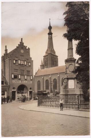 036024 - Gedenknaald koning Willem II, thans Stadhuisplein.