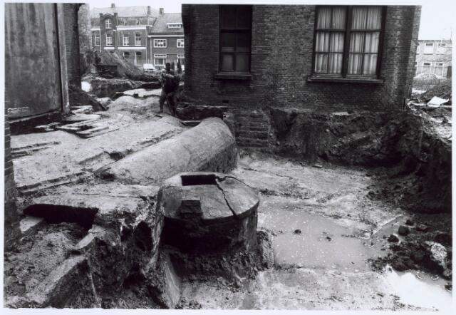 019248 - Opgravingen op het complex van de voormalige wollenstoffenfabriek C. Mommers