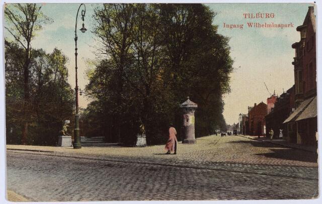 002864 - Ingang Wilhelminapark met straatlantaarn in Jugendstil en reclamezuil.