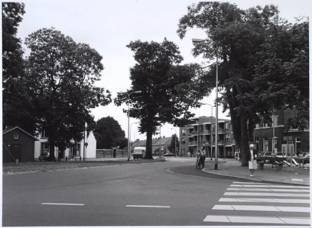024612 - Korvelplein gezien in de richting van de Oerlesestraat