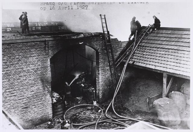 022681 - Brand bij kunstwolfabriek Berghegge in de Hoogvensestraat op 16 april 1927