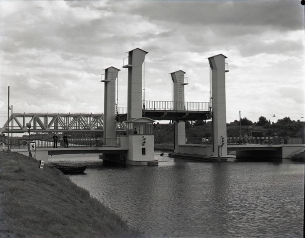 654391 - Brug over het Wilhelminakanaal.