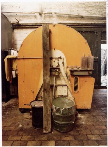 038134 - Textielindustrie. Interieur van de Firma Wolkat, lompengroothandel.