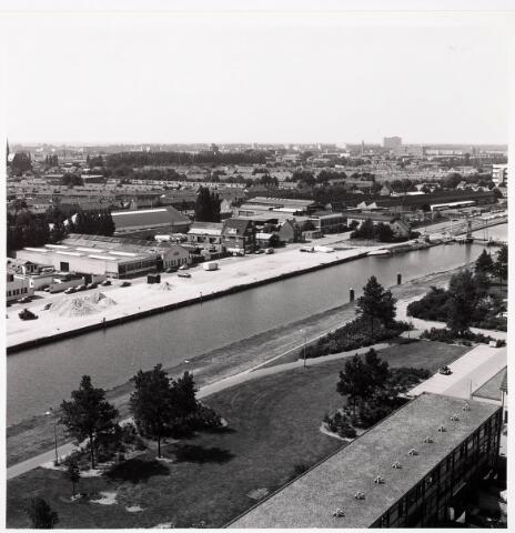 036418 - Panorama van Tilburg vanaf de flat aan de Hoffmannlaan.