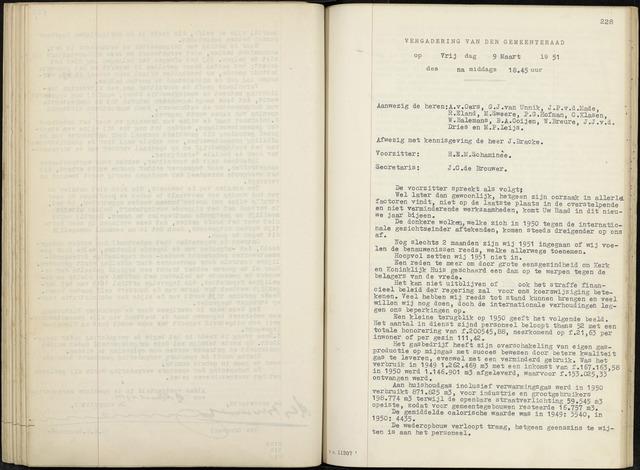 Zevenbergen: Notulen gemeenteraad, 1930-1996 1951-01-01