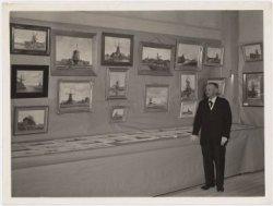 Koog aan de Zaan. Johannes (Jan) Kruijver, Koog aan de Zaan geboren Koog aan de Zaan, 30 januari 1869- overleden Zaandam 1950. Hij was een zoon van Gerbrand Kruijver en een kleinzoon van Jan Kruijver, molenmaker. Beeldend kunstenaar, schilder, aquarellist en tekenaar. Jan Kruijver was huisschilder van beroep en voerde als zodanig een bedrijf in compagnonschap. In de Zaanstreek werd hij vooral bekend door zijn schilderijen van oud-Zaandam, die een grote topografische nauwkeurigheid vertonen. De