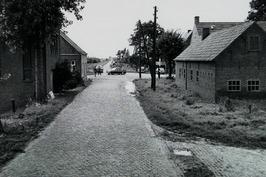 weg Hulst-Absdale; voor verbetering