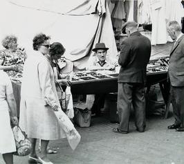 marktdag; verkoop horloges