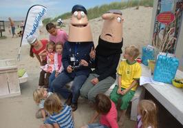 strandbibliotheek; Piet Polies leest voor en vertelt