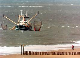 vissersboot OD 18 uit Ouddorp voor de kust van Walcheren