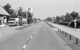 richting Biggekerke, links de benzinepomp van Garage Vos