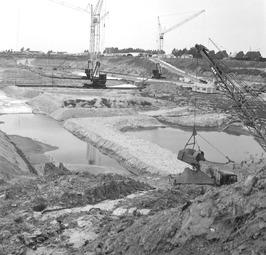 begin bouw van grote zeesluis