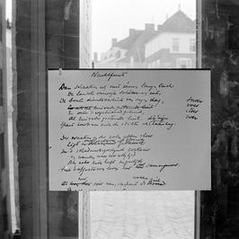 Opbouw van de tentoonstelling 'P. C. Boutens 1870-1943' in de Vleeshal.
