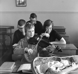 Lyceum orkest, muziekles; viool