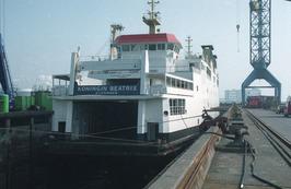 scheepswerf Scheldepoort met veerboot PSD koningin Beatrix in het dok